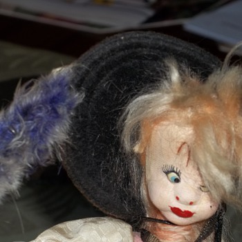 Help identifying doll .