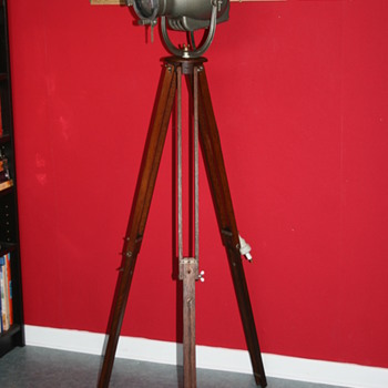 Strand theater projector on tripod - Lamps