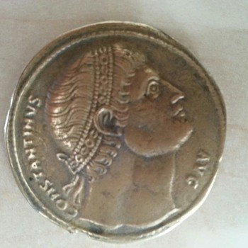 "Roman or costantinople gold coin, read ""Constantinvs avg Senatvs smr"" age ? worth?"