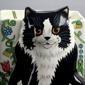 Cats by Nina - Art Pottery