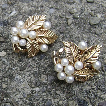 Vintage Crown Trifari Earrings - Costume Jewelry