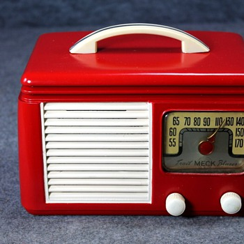 1948 Meck Model CE 500 Tube Radio