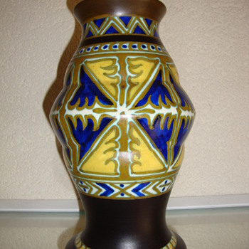 art deco vase by zuid holland gouda