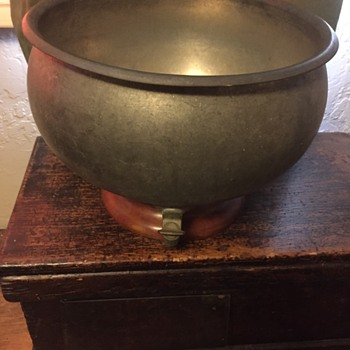 1800's Metal color on bowl