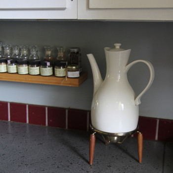 Ernest Sohn Coffee Pot WITH Warming Stand - Kitchen