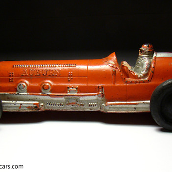 VINTAGE AUBURN No. 7 RUBBER RACER CIRCA 1940 - 1950  - Model Cars
