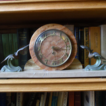 Bird Deco Clock