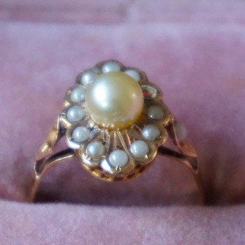 Victorian Antique Tiny Pearl Ring