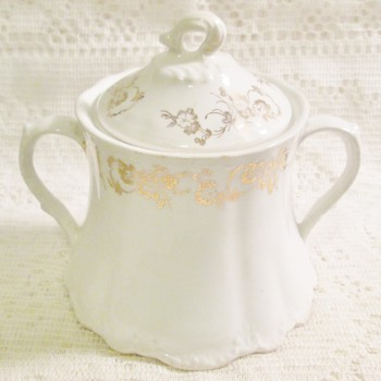 Homer Laughlin Sugar Bowl - China and Dinnerware
