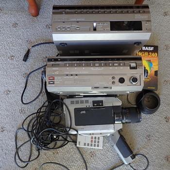 J V C  Cassette Recorder HR-22ooeg