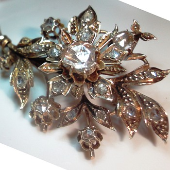 GEORGEOUS ROSE GOLD ROSE CUT DIAMOND FLOWER BROOCH