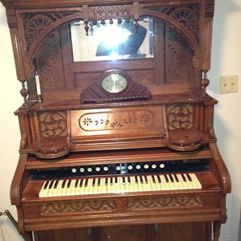 1896 hamilton pump organ - Victorian Era