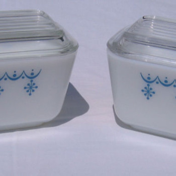 Vintage Pyrex Refrigerator Containers