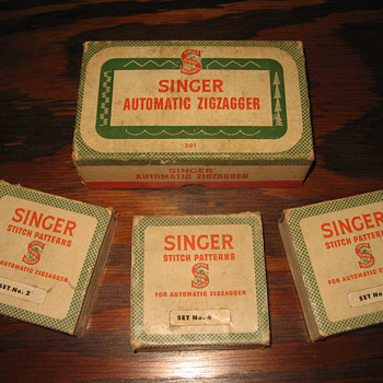 1940's Singer Sewing Machine Automatic Zigzagger set COMPLETE