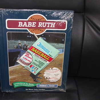Babe Ruth, Hard cover book, card and bubble gum still in original packaging