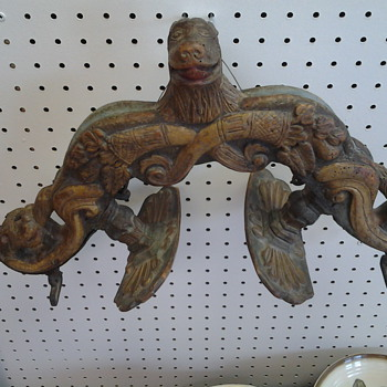 Unidentified wood carving ornamental utilitarian object - Animals