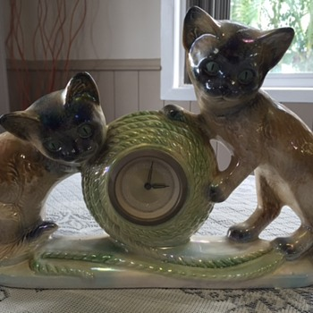 Jema Holland Large Twin Kittens Mantle Clock numbered (432) - Clocks