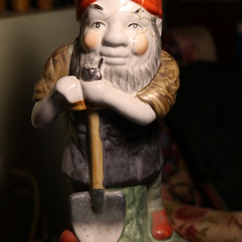 Old Porcelain Gnome - German?