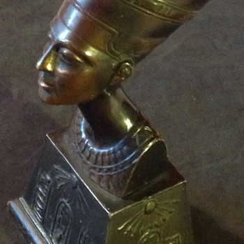 Nefertiti bust. Egyption revival. - Art Deco