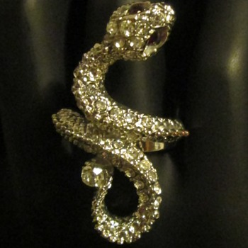 Ssssssssssnake ring, yeeeessssh!!!! - Costume Jewelry