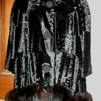 Vintage Dan Millstein Crushed Velvet Mink Trim Swing Coat - Womens Clothing