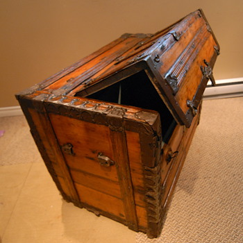 Antique Trunk Rare Front Opening