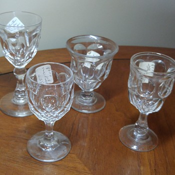 4 Small Glasses
