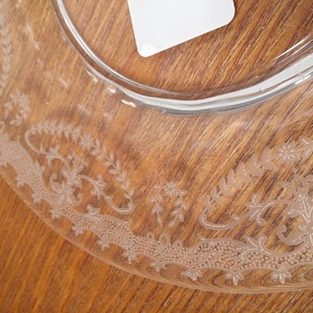 Dose anyone recognize this elegant glass etched pattern?