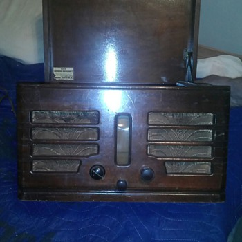 motorola mahagny wood radio/ record player
