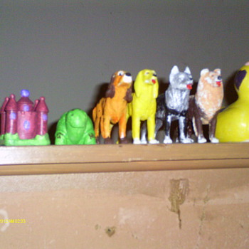Dog Figures - Figurines