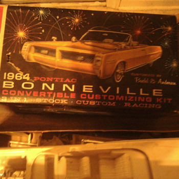 Unpainted AMT Bonneville kit - Model Cars