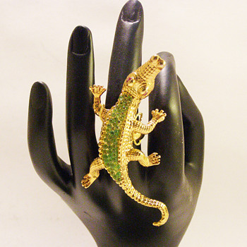 Vintage Swoboda Large Peridot Alligator Ring - Costume Jewelry