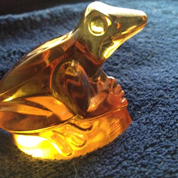 Moser glass frog