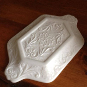 milk glass sugar and tray - i'm guessing the creamer is missing?