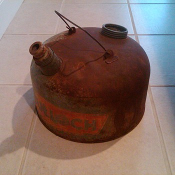 McCulloch Chain Saw oil gas can - Petroliana
