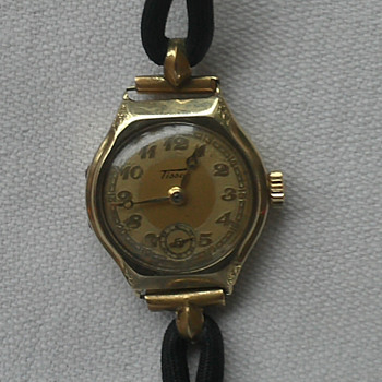 Tissot ladies wrist watch ID