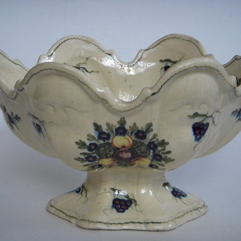 Pottery Mark, Old decorated pedestal bowl made in Italy - China and Dinnerware