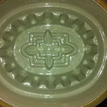 Heavy Stoneware Pie or Jelly Mold  - Kitchen
