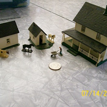 My  Vintage Miniature Farm Set . Maker Unknown