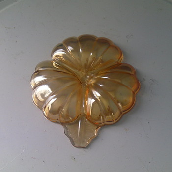 THREE LEAF PLATTER - Art Deco