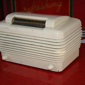 Stromberg-Carlson bakelite radio