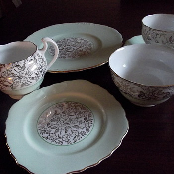 41 piece tea set Royal Vale
