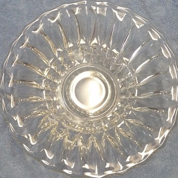 "11"" Clear Glass Scallop Bowl"