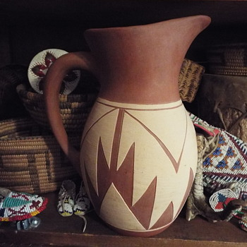 Pine Ridge Pottery - Native American