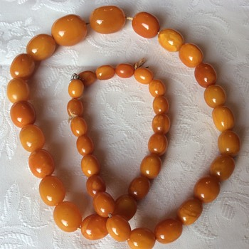 Superb butterscotch Amber necklace 90g!