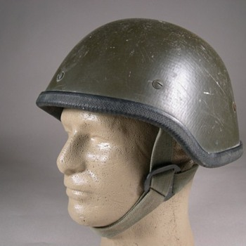 IRAQI Kevlar helmet made in Slovenia - Military and Wartime