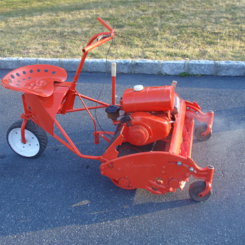 Jacobsen estate reel mower from about 1961 - Tractors