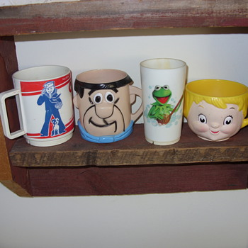 vintage cups - Kitchen