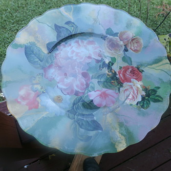 large cake plate floral pattern    Name on bottom    Twillery