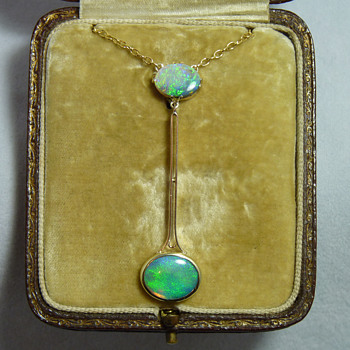 Australian Art Deco 15ct Gold and Two Opals Necklace circa 1920's